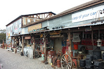 Larry's Antiques & Things, Cottonwood, United States