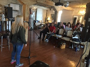 Voice Coach Carolyn T: Singing or Public Speaking Lessons