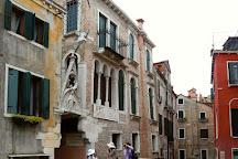 Arco del Paradiso, Venice, Italy