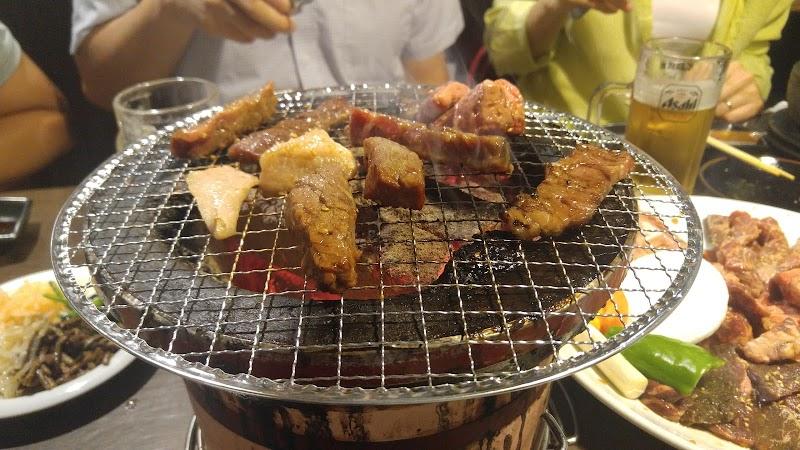 七輪焼肉 牛繁 椎名町店