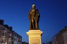William Harvey Statue