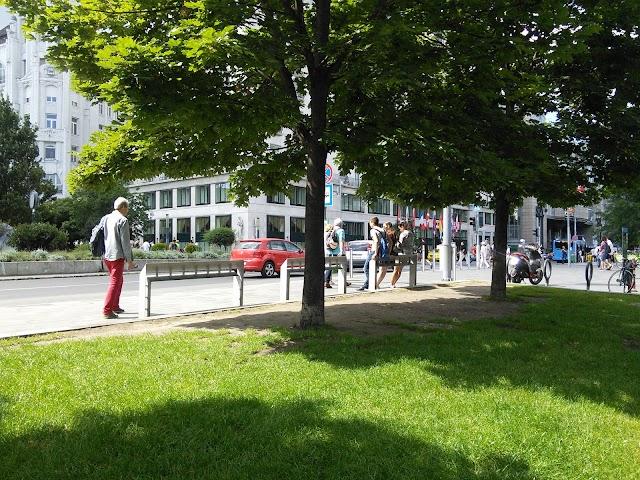 Memento Park direct bus depart