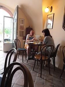 Restaurace & kavárna Jenom Tak