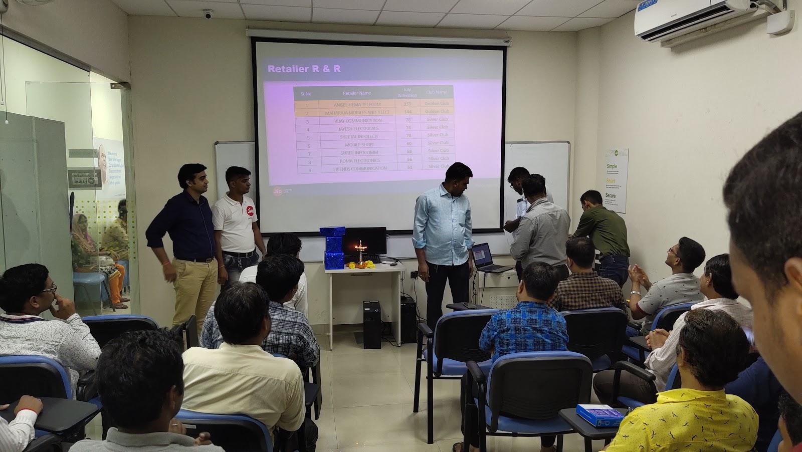 Jio Service Center - Gama Compund, Bhandup, Mumbai