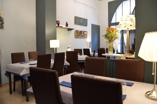 Canaules Cafe Restaurant