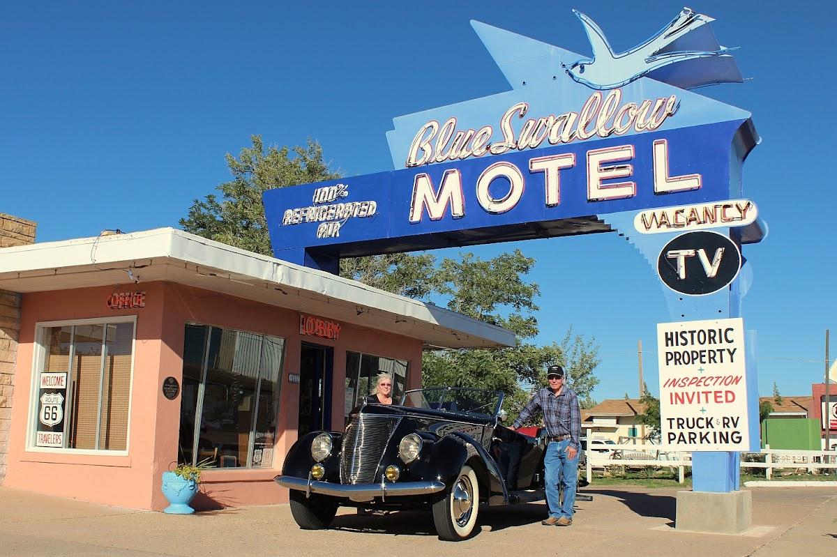 Blue Swallow Motel 815 E Rte 66 Blvd Image