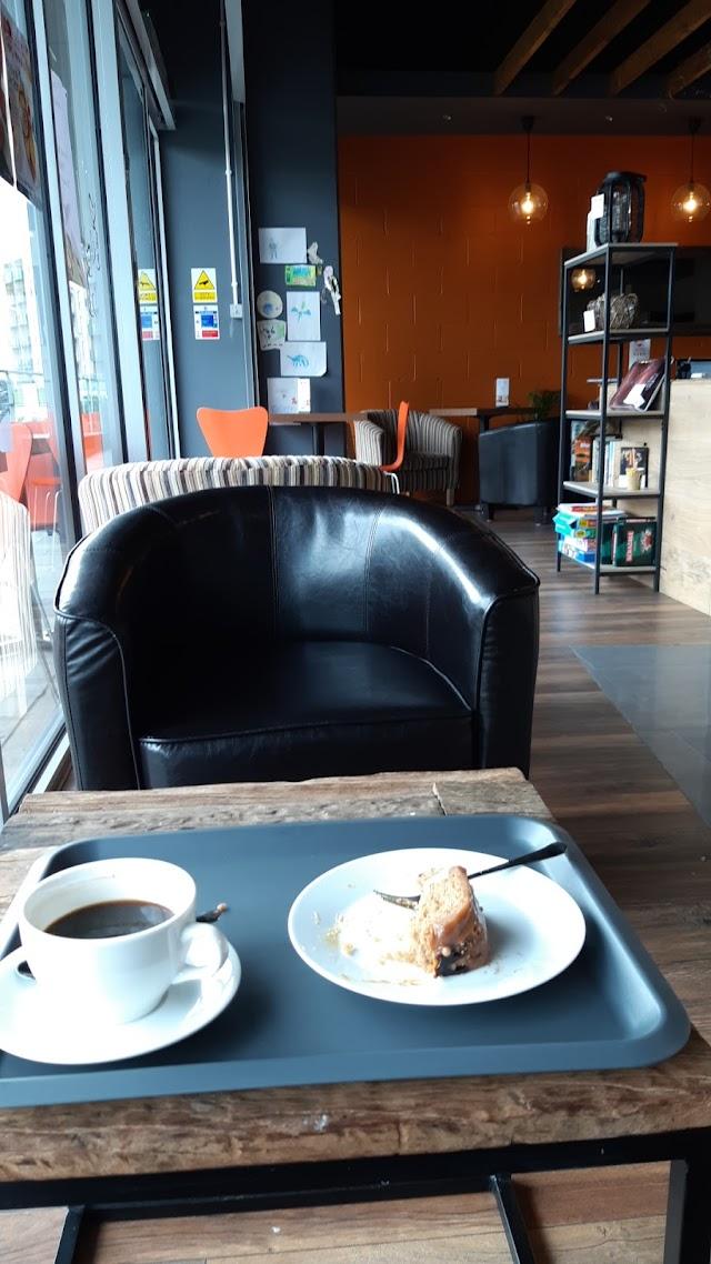 Riverside Coffee Lounge