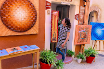 Art Gallery Contemporary Tapiezo, Roussillon, France