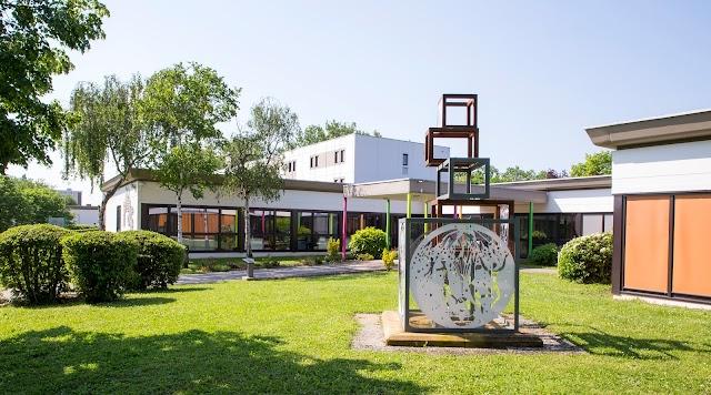 Institut National de Jeunes Sourds de Metz