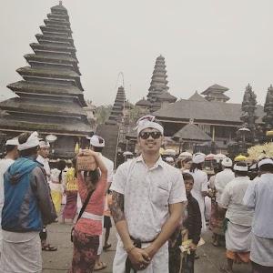 Tuti's Driver Hire Bali