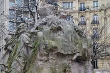 La statue de Leon Serpollet, Paris, France