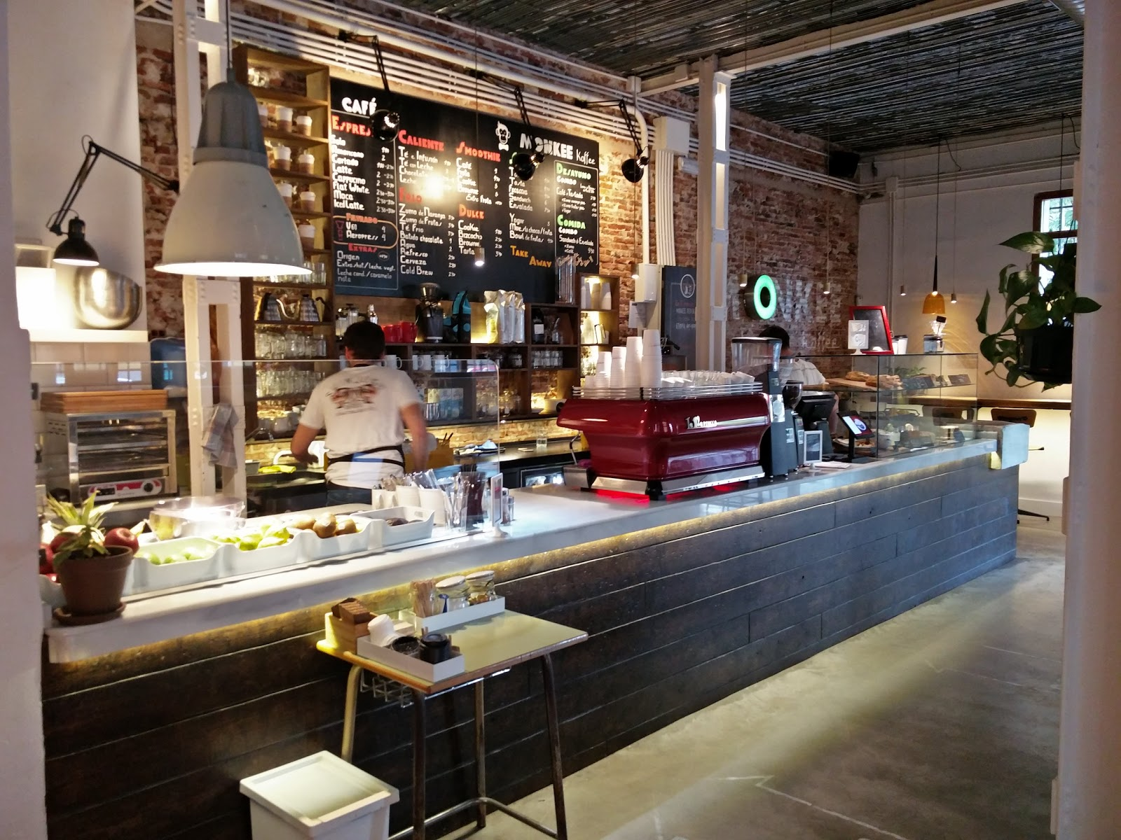 Monkee Koffee: A Work-Friendly Place in Madrid