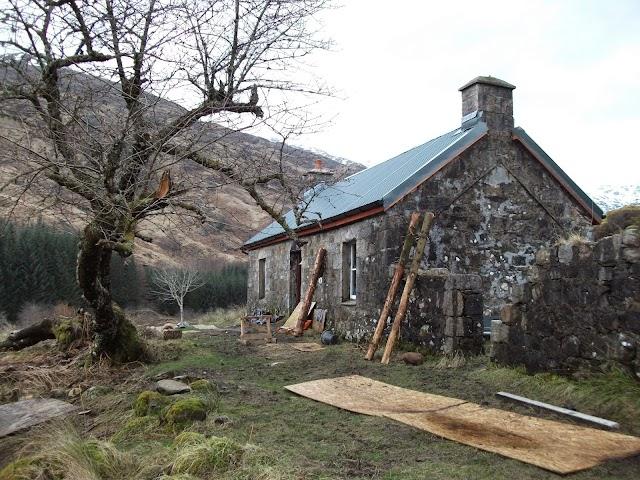 Gleann Dubh-Lighe Bothy