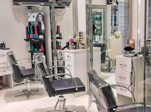 Frank Olivos Salon Y Spa 5