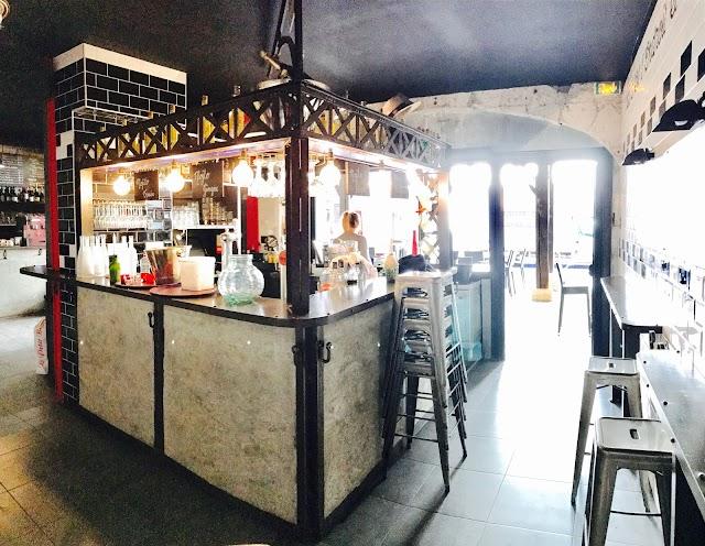 L'Endroit Bar