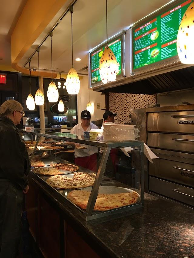 Lunetta Pizza & Restaurant
