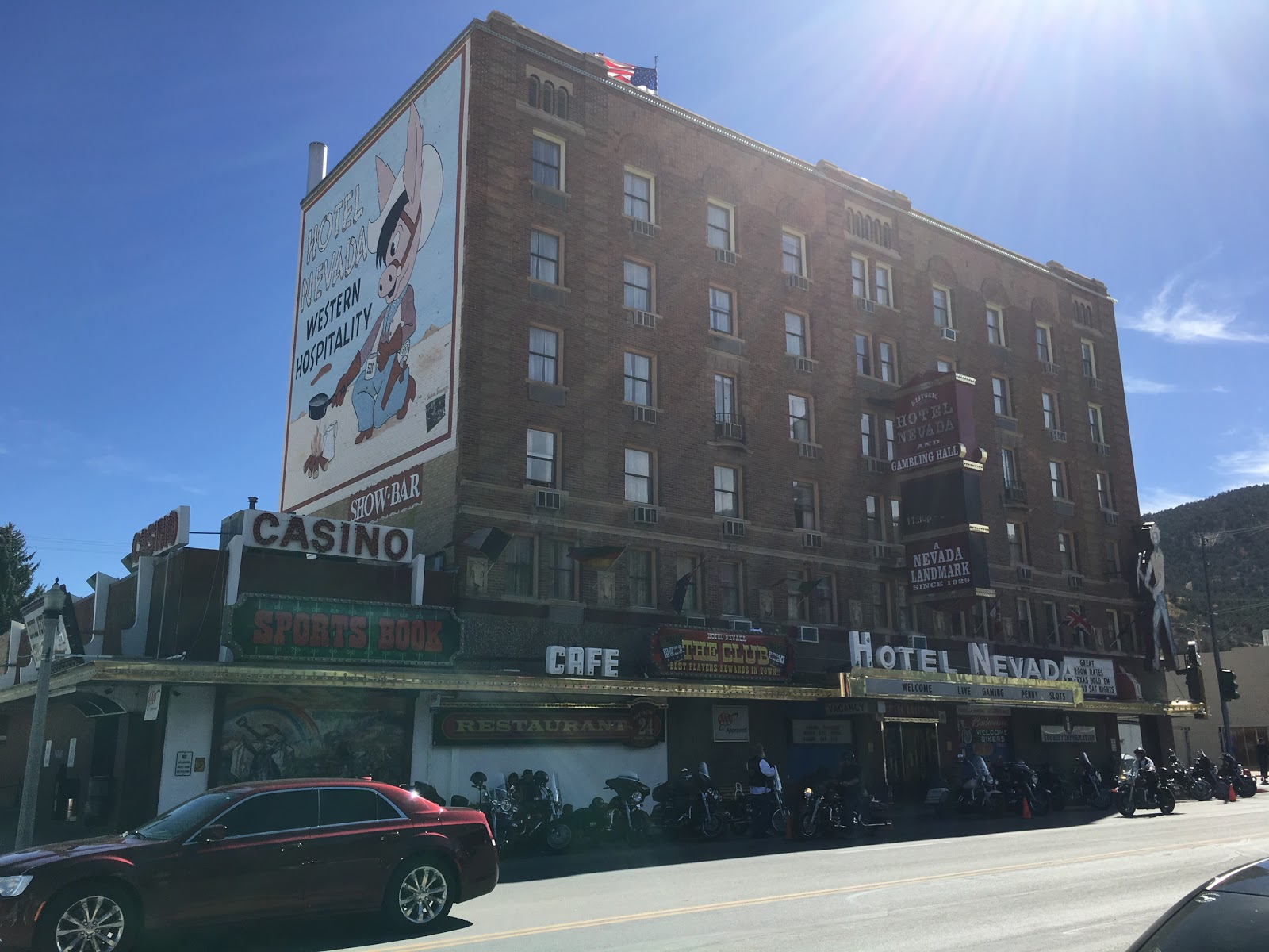 Hotel Nevada Hall Denny S