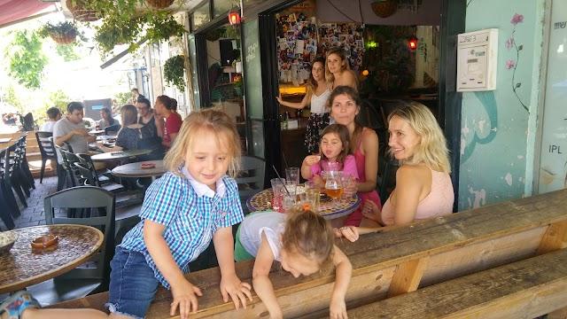 Chouffeland Street-Bar