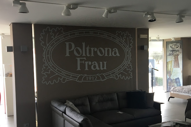 Outlet Poltrona Frau Tolentino.Visit Poltrona Frau Museum On Your Trip To Tolentino Or Italy