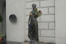 Juliet Capulet Statue, Munich, Germany