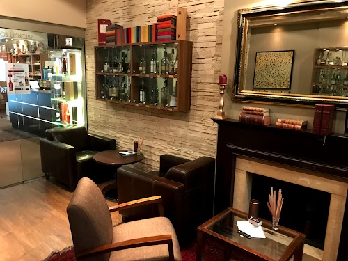 The Oak Lounge