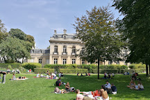 Jardin de l'hotel Salomon de Rothschild, Paris, France