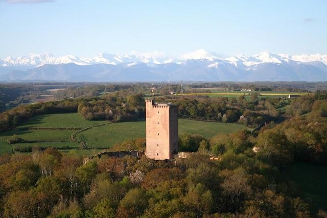 Château de Montaner Conseil Général des Pyrénées Atlantiques