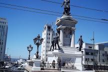 Monumento a Los Heroes, Valparaiso, Chile