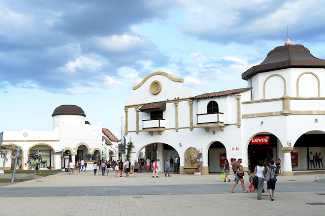 Visit Puglia Outlet Village on your trip to Molfetta or Italy