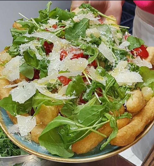 Ristorante pizzeria antico Borgo Ai vergini pizzeria napoli centro storico rione sanita'