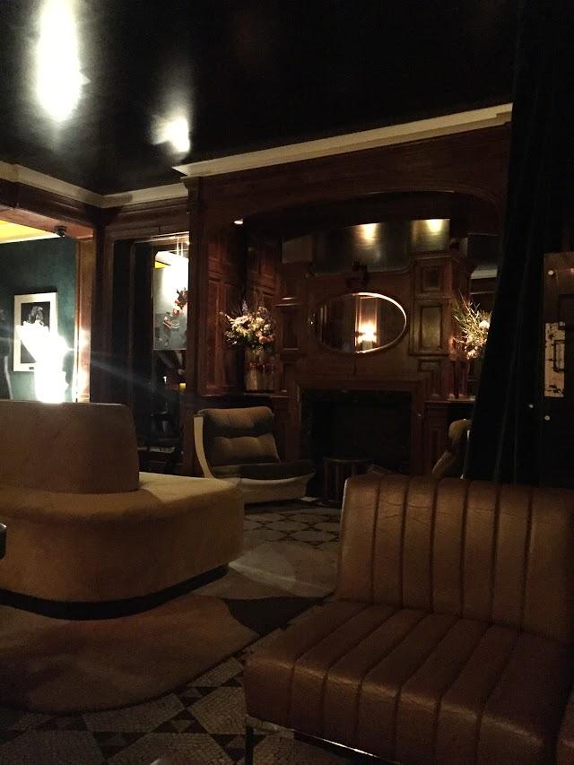 Le Palais Bar