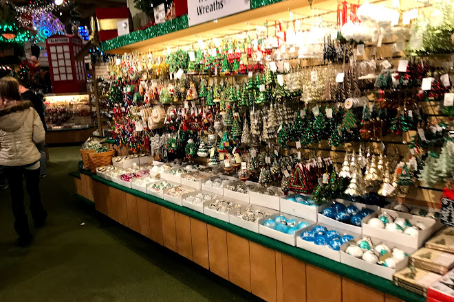 Bronners Christmas.Visit Bronner S Christmas Wonderland On Your Trip To Frankenmuth