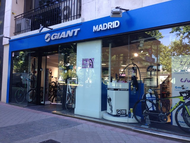 Giant Store Madrid