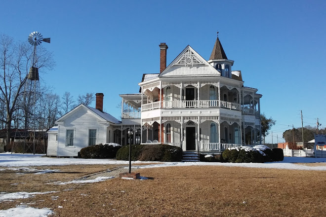 Phenomenal Visit John Blue House And Heritage Center On Your Trip To Home Interior And Landscaping Transignezvosmurscom