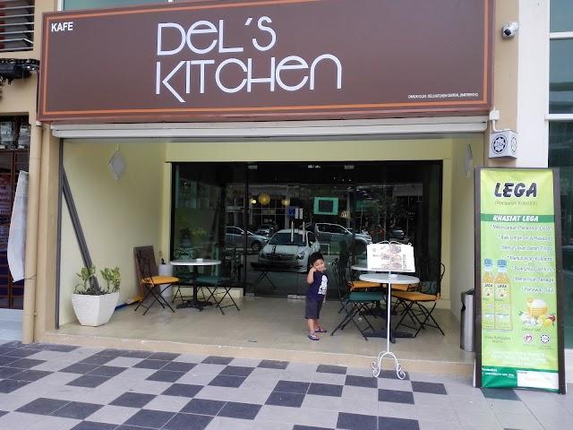 Del's Kitchen