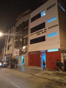 ASISTE ABOGADOS / ABOGADOS - PERÚ 1