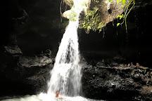 Burung Walet Waterfall, Tetebatu, Indonesia