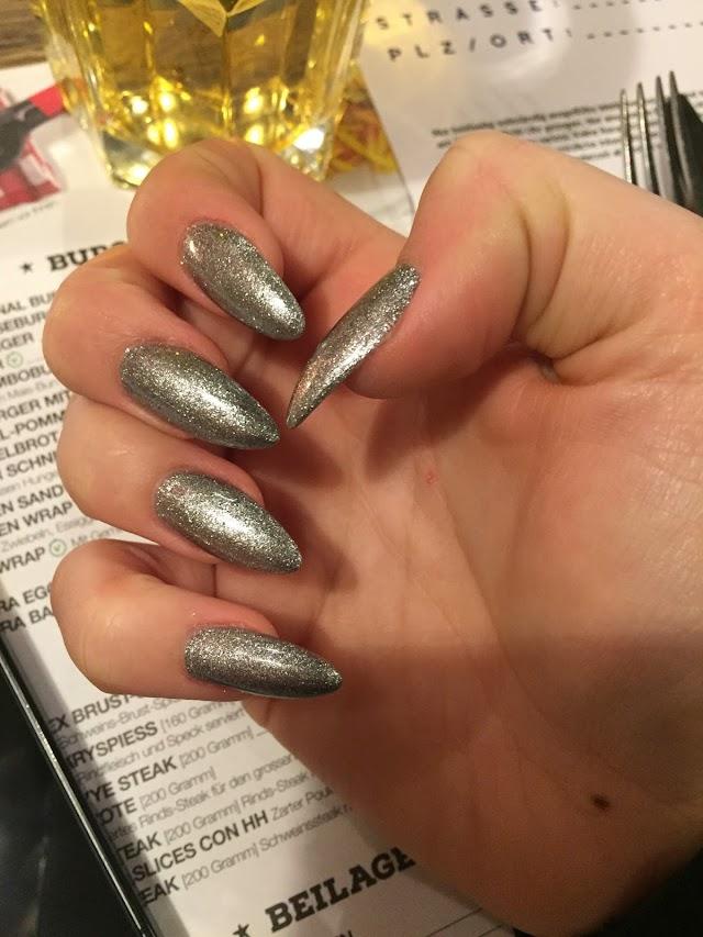 Tuoi Nails