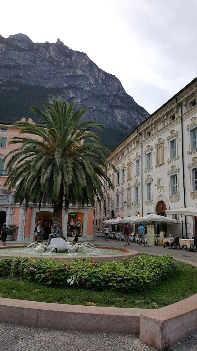 Benacus Hostel