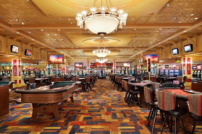 Phenomenal Visit Ameristar Casino Vicksburg On Your Trip To Vicksburg Home Interior And Landscaping Ferensignezvosmurscom