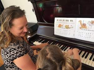 Piano Lessons with Sharon Davis