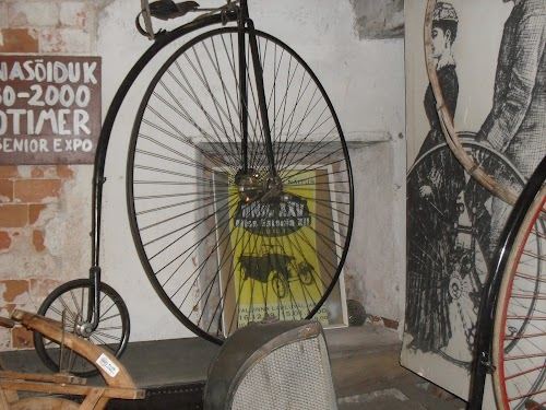 Valeri Kirsi vanasõidukite muuseum