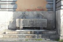 Fontane Sarcofago in Piazza del Popolo, Rome, Italy