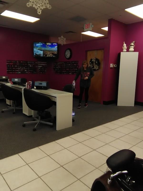 BoRics Hair Care, 821 W Alexis Rd Ste A-102, Toledo, OH 43612, USA