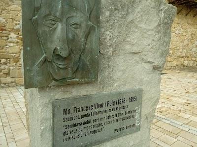Monument a Francesc Viver i Puig