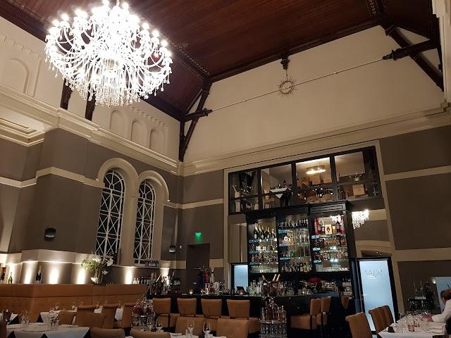 Villari Restaurant & Winebar