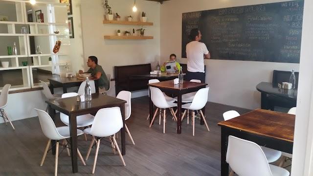 Mantras Veggie Cafe and Tea House