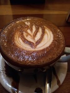 Manu Cafe 4
