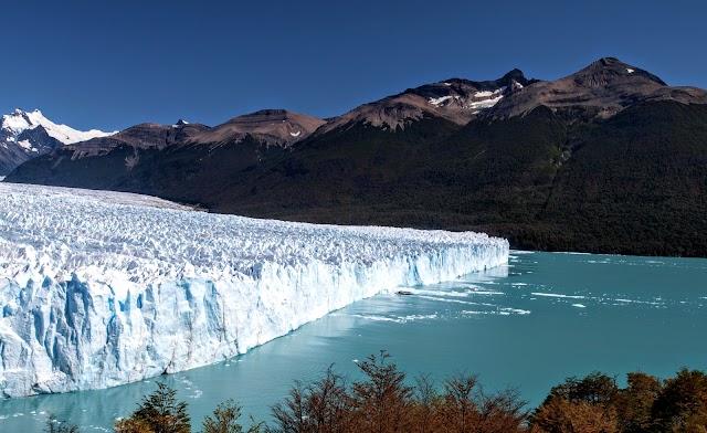 Perito Moreno Glacier footbridges