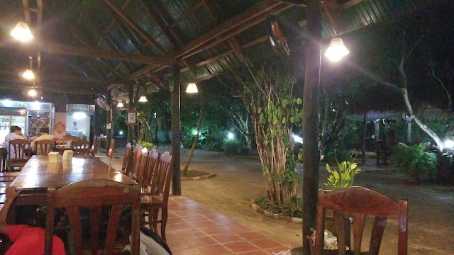 Bamboo Restaurant and Guesthouse